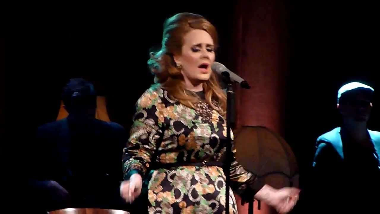 Adele-Set Fire to the Rain - YouTube