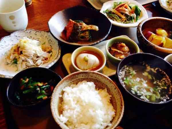 中居正広の食生活をファンが心配。稲垣吾郎は「知らないよ! 大人なんだから」。   Techinsight 海外セレブ、国内エンタメのオンリーワンをお届けするニュースサイト