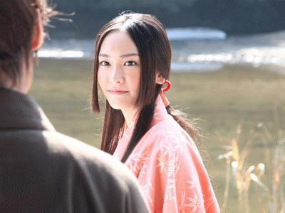 "KDDIの三太郎CMに有村架純演じる""かぐや姫""登場 桃太郎と速攻で夫婦に"
