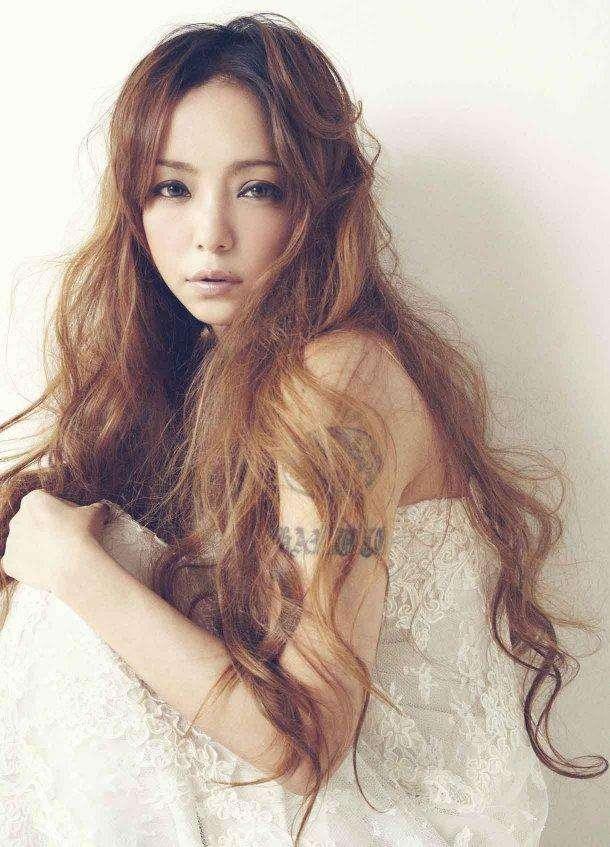 画像:海外でも活躍中の安室奈美恵さん 安室奈美恵、もうすぐ40なのに超かわいい!すっぴんもかわいいと噂に♡の7枚目 | LAUGHY-ラフィ-