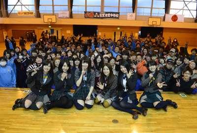 AKB48震災義援金、2年間で計13億円超 今後も支援活動を継続 - シネマトゥデイ