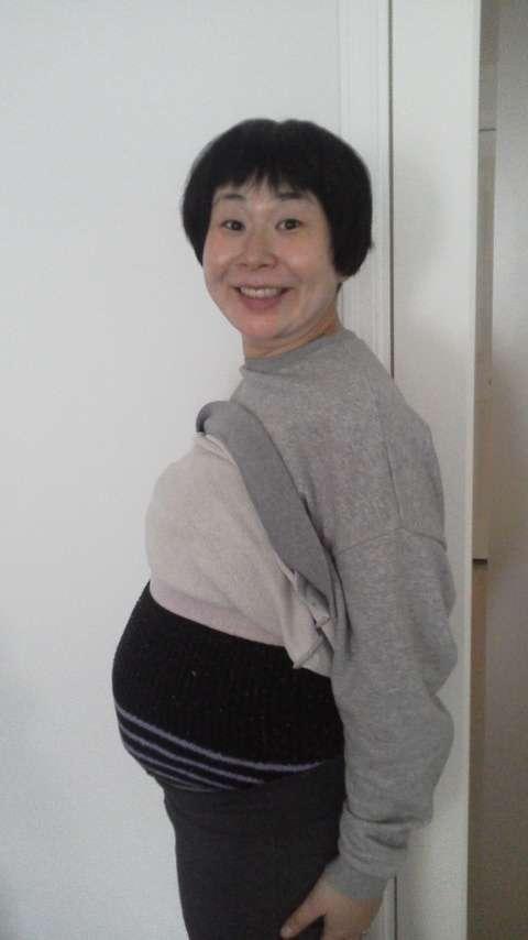 鈴木おさむ氏、妊娠8カ月に突入した妻・大島美幸の大きなお腹を披露!