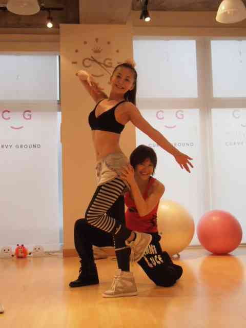 華原朋美(40)、意外な肉体美にファン驚き 「筋肉スゴッ!」