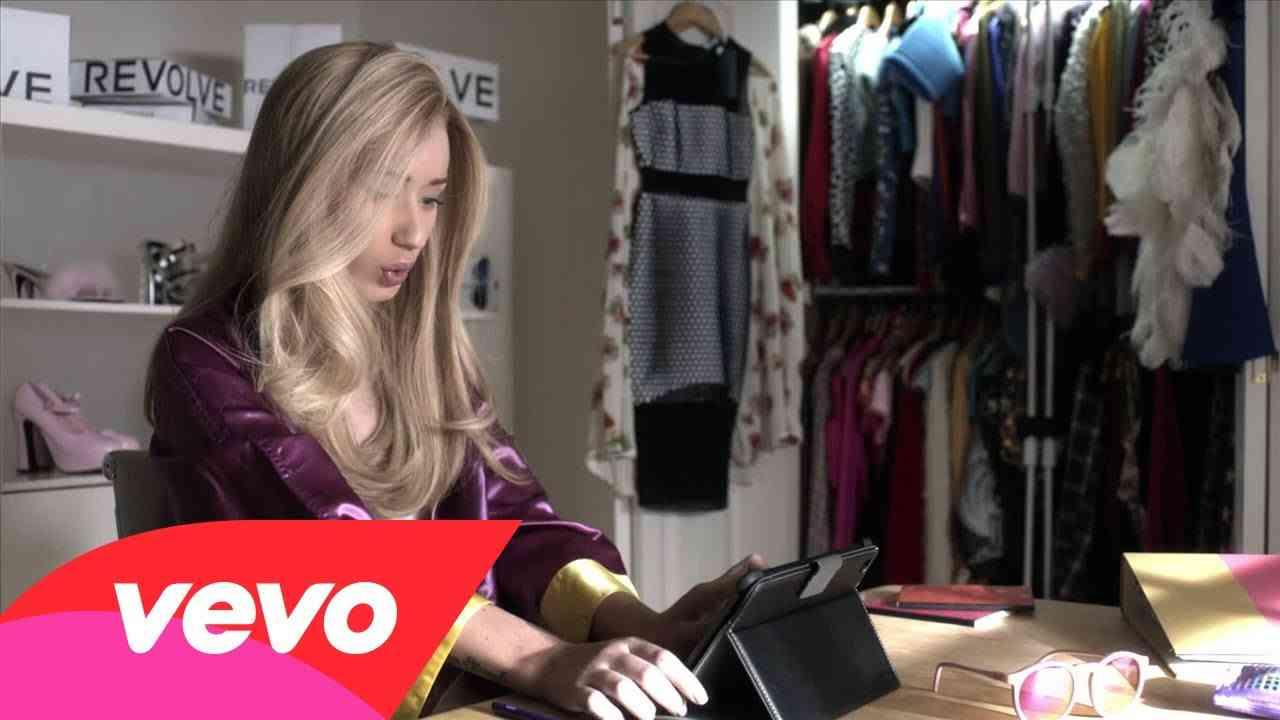 Iggy Azalea - Fancy (Explicit) ft. Charli XCX - YouTube