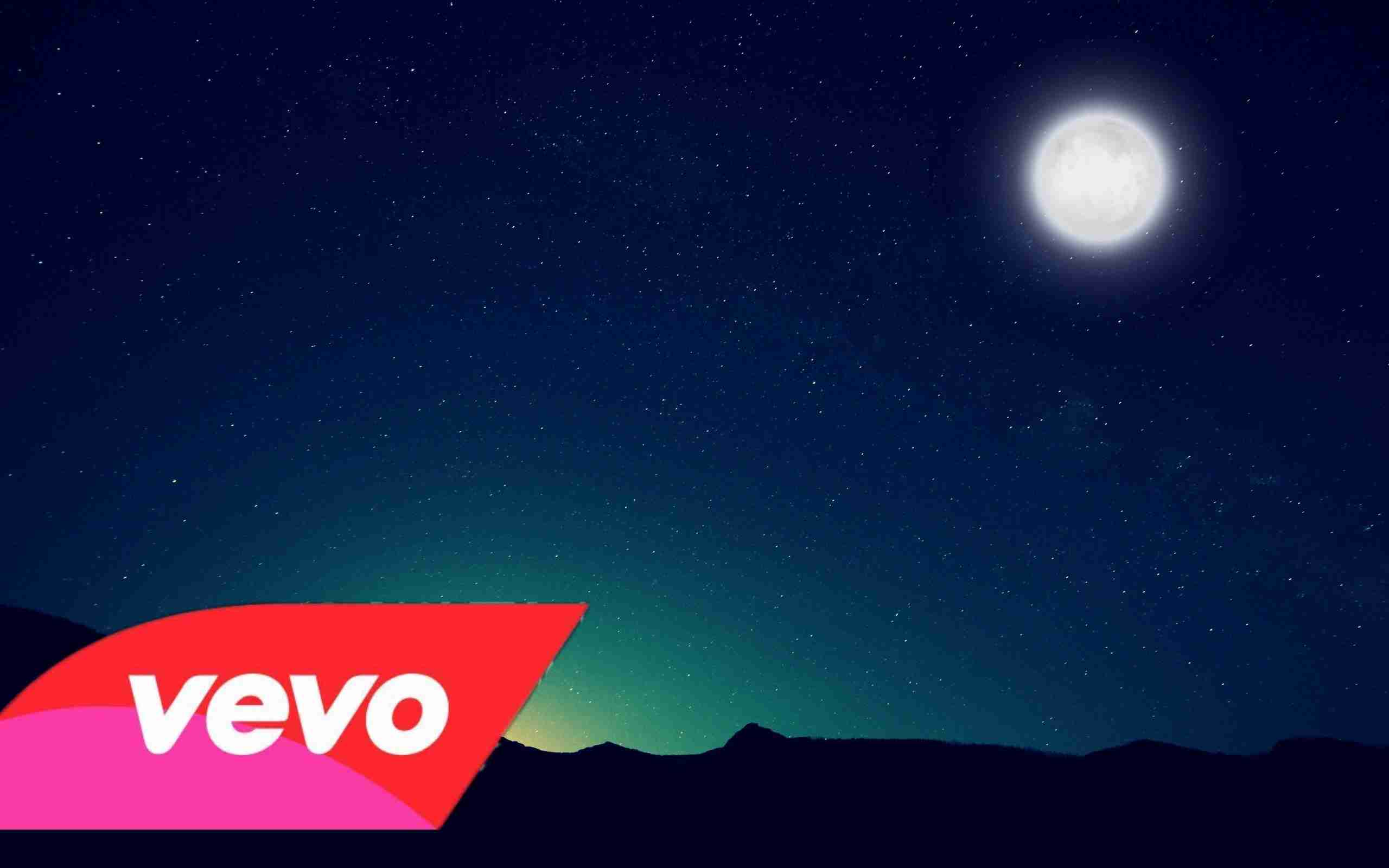 Bruno Mars - Talking To The Moon (Video Offcial) - YouTube