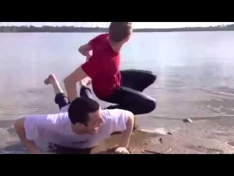 外国人が本気でゆずの「夏色」をカバー!PV ミュージックビデオまで頑張って再現しているけど、なんか違う おもしろ 面白い 爆笑 - YouTube