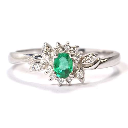 ダイヤ以外の婚約指輪ってどうですか?