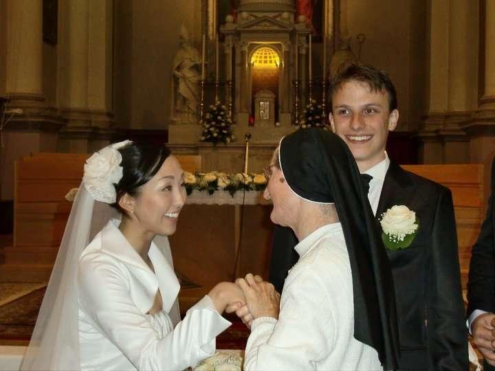 「愛に殉じた」やしきたかじんの妻が10億単位の遺産を残した夫の祭壇にかけた費用は?ネット民が弾き出した金額
