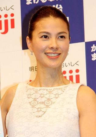 江角マキコ、長女転校先インターナショナルスクールでも「ママトラブル勃発」の声
