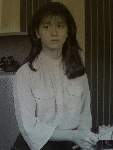 江口洋介と森高千里夫妻 人気カフェで夜のラブラブデート