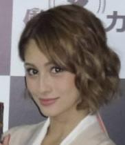 ダレノガレ明美 女子高生時代の写真公表 黒髪ですっぴん「モテ期でした」 (デイリースポーツ) - Yahoo!ニュース