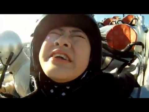 乃木坂46 生駒ちゃんが大泣きする動画 Nogizaka 46 Ikoma Rina ride on jet coaster - YouTube