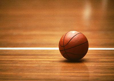 教諭が小6男児投げ飛ばし背骨折る 愛知・豊田、バスケクラブ活動中