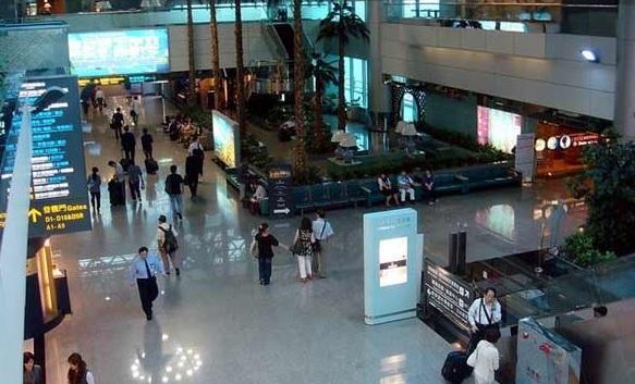 在日韓国人俳優、隆大介が空港で大暴れ・・映画制作側は「契約を即日解除」―台湾メディア (FOCUS-ASIA.COM) - Yahoo!ニュース