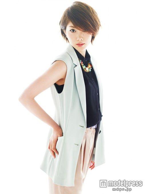 モデルデビューした潮田玲子をご覧ください