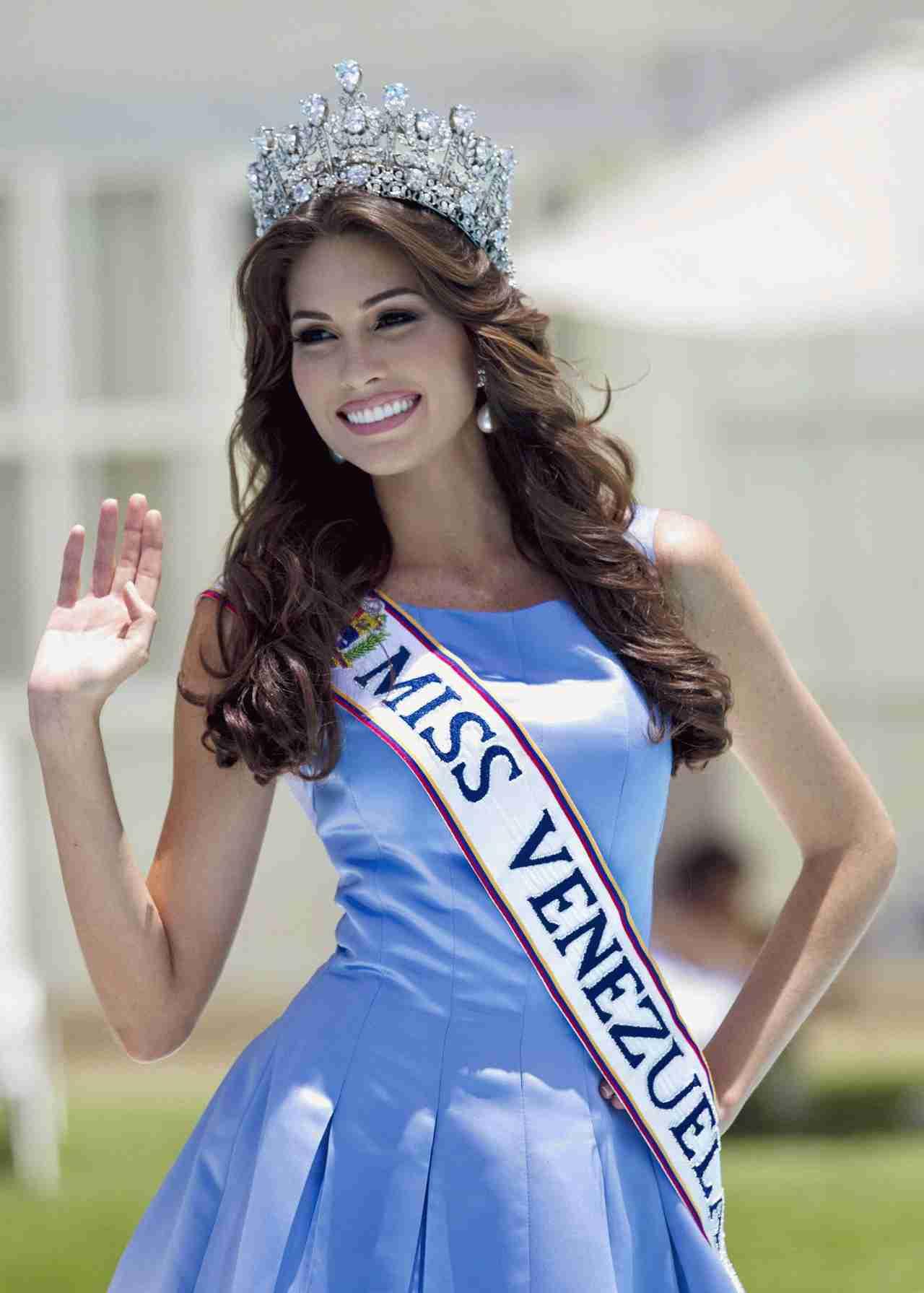 ミス・ユニバース:日本代表に長崎の20歳 宮本エリアナさん「ハーフの私でいいのかな」