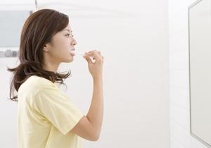 市販の歯磨き剤は危険? 歯周病の原因に? 発がん性や毒性含有の恐れ