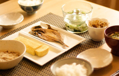「朝食は大切」という説は嘘だったことが判明!朝食を抜いても認知機能や代謝に影響なし