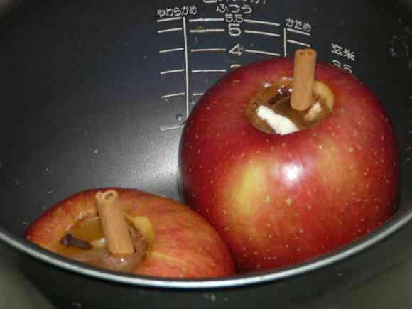 海外の反応 キキミミ 「これはいいアイデアだね」炊飯器で焼きリンゴが簡単に作れると話題に(海外反応)