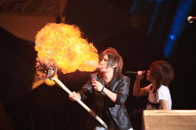 ゴールデンボンバー・喜矢武豊、初舞台『ふしぎ遊戯』に手応え! 役者として「海外に行きたい」
