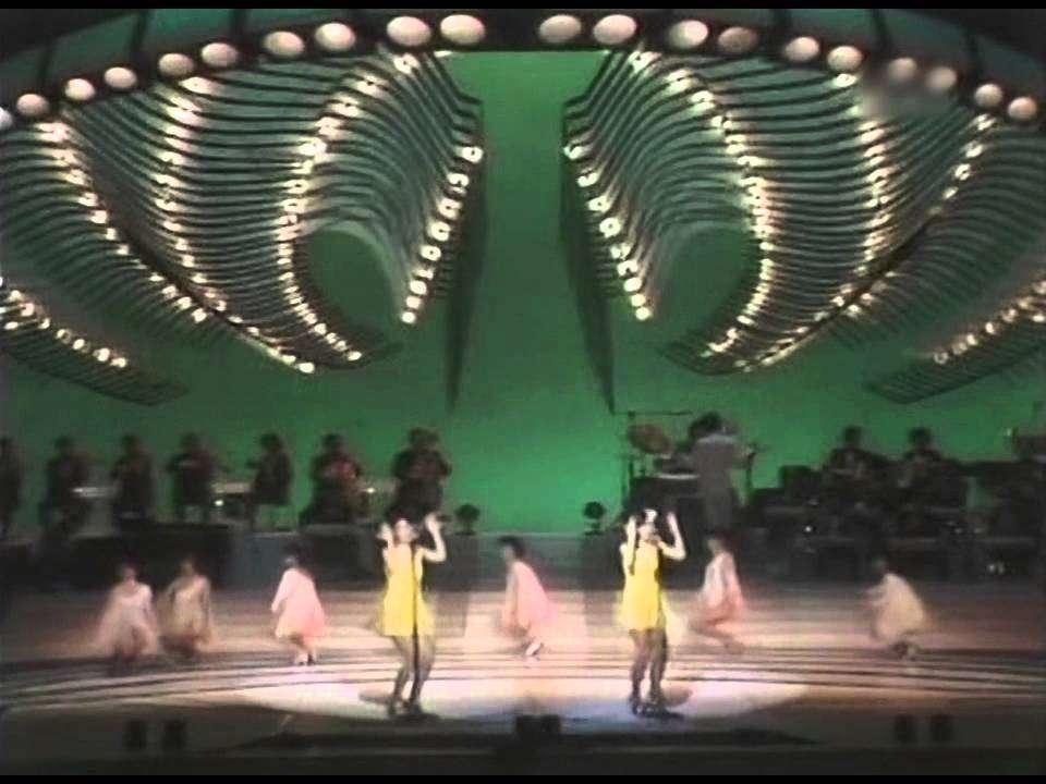 ピンク・レディー S・O・S カルメン'77 渚のシンドバッド ウォンテッド (1977) - YouTube