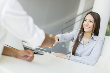 4割の女性が「結婚は契約」。結婚に恋愛感情は不要?