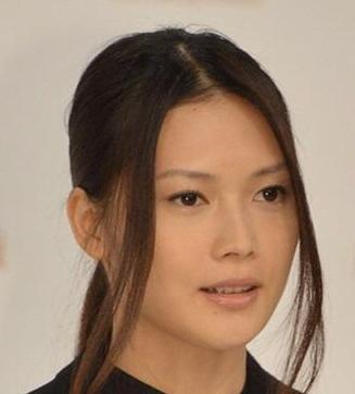 yui 一般男性との結婚と妊娠を発表
