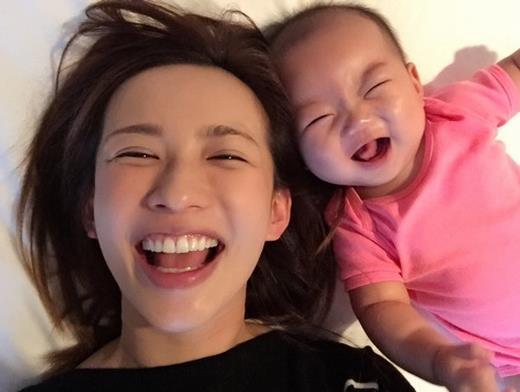 優木まおみ、6カ月長女の顔写真を公開「成長記録も兼ねていきたい」