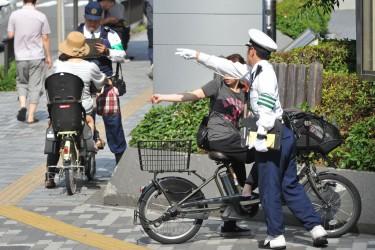 自転車の 改正道交法 自転車 危険行為 : ... 改正道交法6月1日施行 | ガール