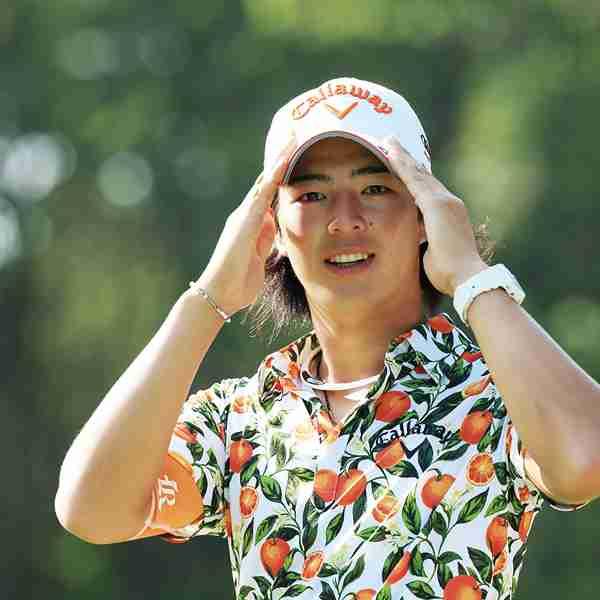 プロゴルファー石川遼のシャツが海外で物議「試合が目に入らない」「ペナルティレベルwww」