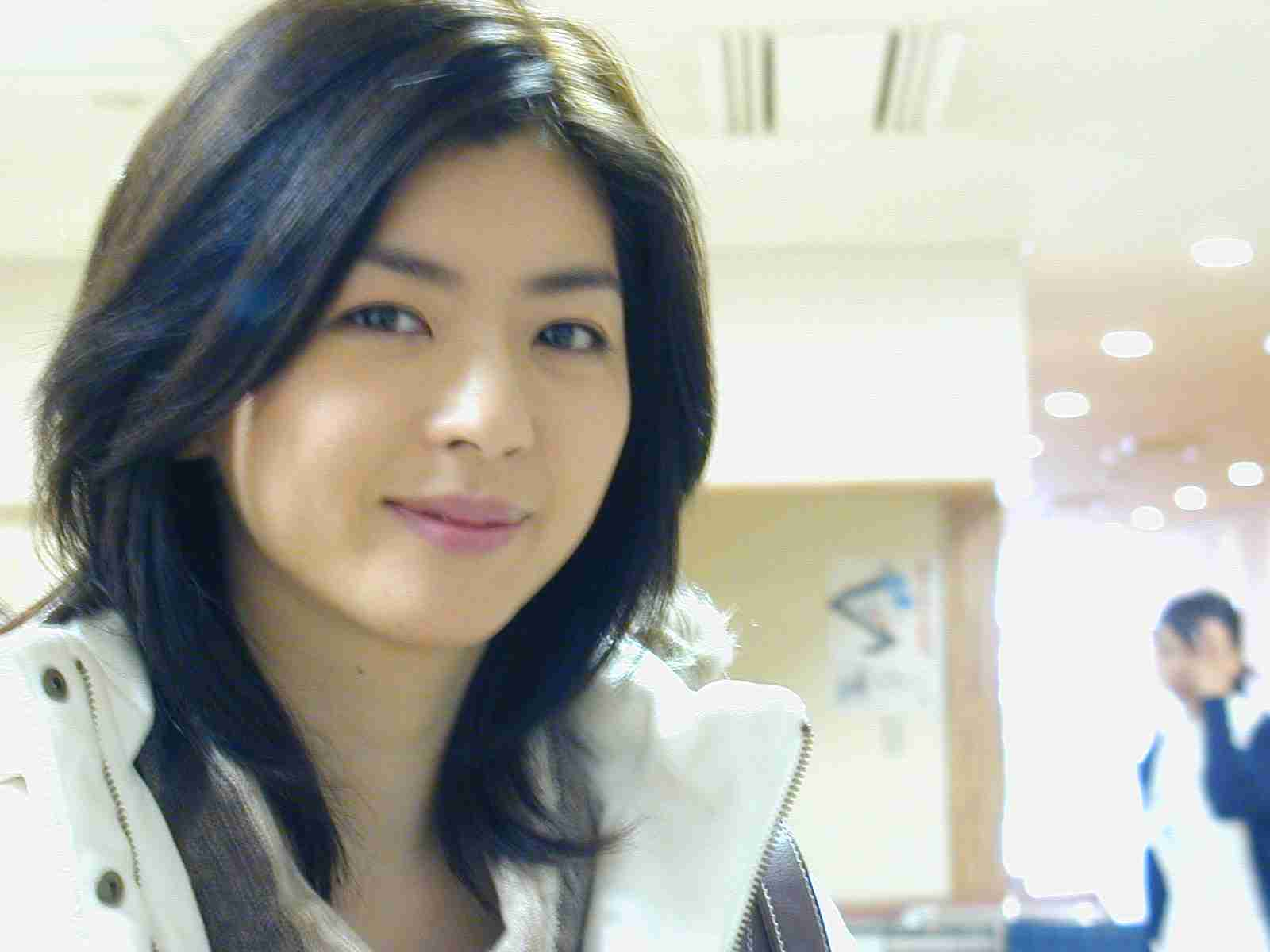 板野友美の妹がデビューで気になる芸能界の「姉妹格差」