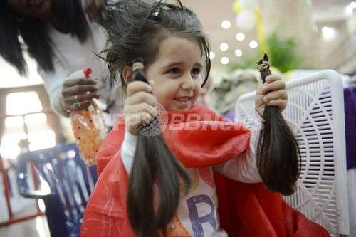 「女の子みたい」いじめられても髪を伸ばし続けた少年…その理由に賞賛の声