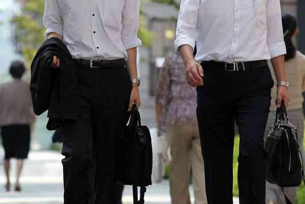 日刊ゲンダイ|「将来」あきらめる若者が急増…際限なきアベノミクスの弊害