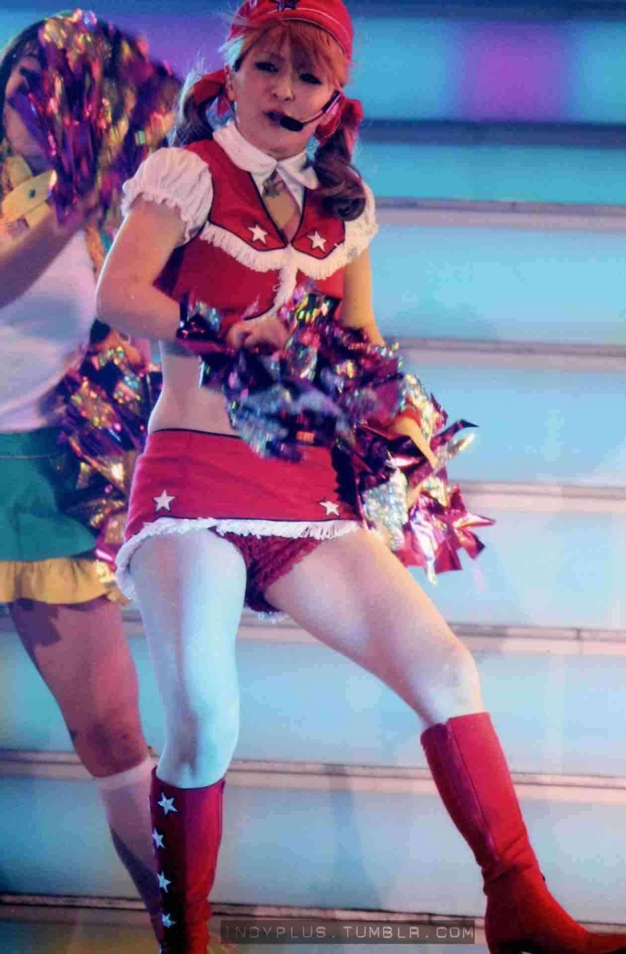 【音楽】浜崎あゆみ、美谷間披露のボディラインくっきり舞台衣装姿を公開。全国ツアースタートで「いくぜーっっっ」©2ch.netYouTube動画>12本 ->画像>316枚