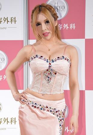 """【訃報】バービー人形の恋人 """"ケン"""" になりたいと570万円かけて整形した男性が死去"""