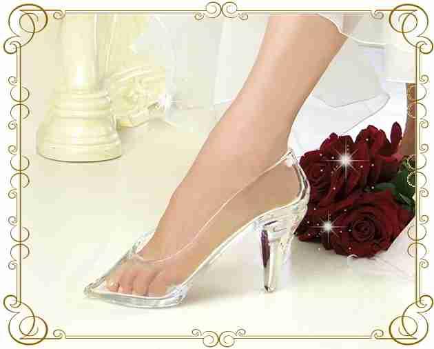 本当に履けるガラスの靴が開発されて誰でも購入できるように!!!
