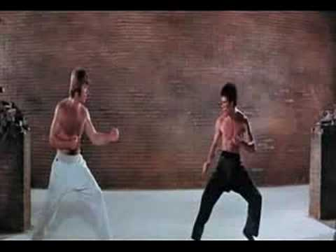 Bruce Lee vs Chuck Norris (la pelea del siglo) - YouTube
