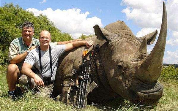 【閲覧注意】「同じ目に遭わせたい」ジンバブエの人気ライオンを射殺した米国人歯科医に批難が殺到
