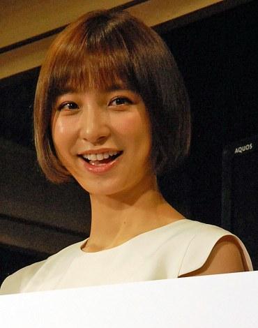篠田麻里子「彼氏できた」明言も一切話題にならず…... 篠田麻里子「彼氏できた」明言も一切話題に