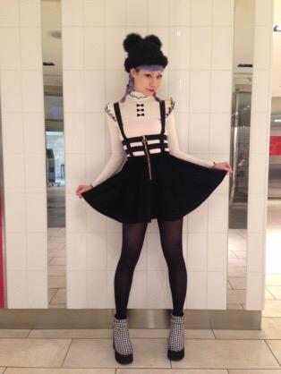 「ドラマ版デスノートのブ…ミサミサの衣装が逆ではないかと話題に」の画像 : ハムスター速報