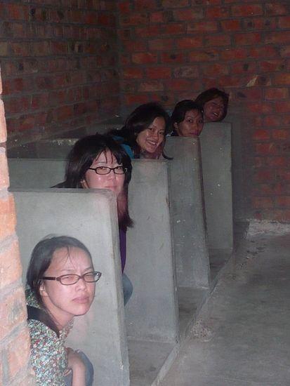 排泄物〝誤爆〟、使用済みペーパーも流さず…京都市、訪日客トイレマナーに大迷惑 啓発ステッカー作戦の効果は?