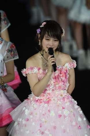 AKB48川栄李奈、涙のスピーチ 卒業後初仕事は舞台『AZUMI』主演