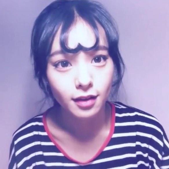 韓国の女子の間で「ハートアップモリ(ハートの前髪)」が流行中