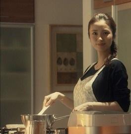 上戸彩、第1子女児を出産!HIROパパに「この感動を大切に」
