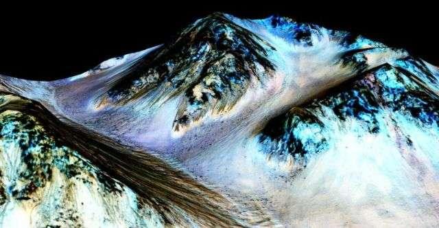 火星の水は今も流れている! NASAが発表 : ギズモード・ジャパン