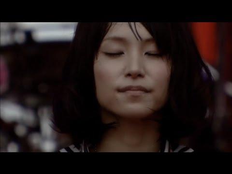 LiSA - Ichiban no Takaramono 一番の宝物  (Live) - YouTube