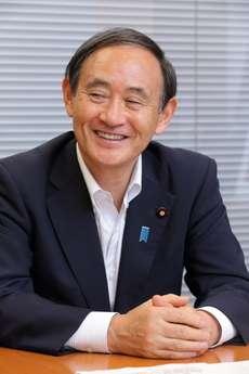 菅義偉官房長官、福山雅治さん結婚機に「ママさんが産んで国家に貢献してくれれば…」