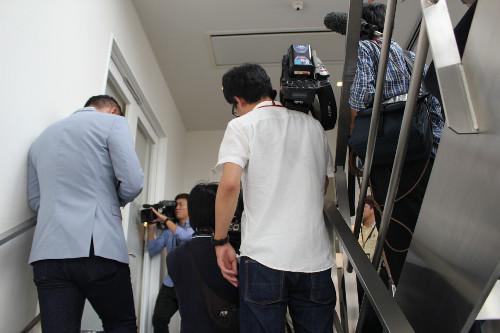 「佐野は会見しません」事務所関係者が報道陣に対応 (スポーツ報知) - Yahoo!ニュース