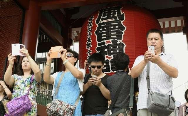 日本人も中国人観光客を笑えない