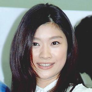 (1ページ目)篠原涼子「オトナ女子」がターゲットのアラフォー女性から大ブーイング! - デイリーニュースオンライン